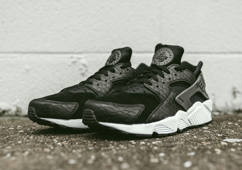 nike-air-huarache-black-snakeskin-available-001