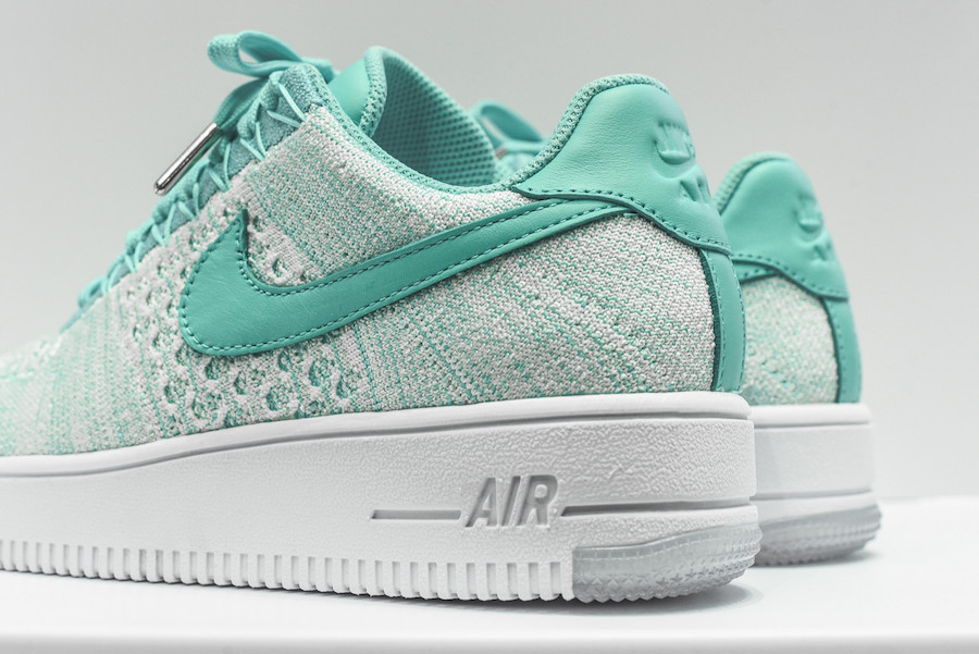 nike-flyknit-air-force-1-low-emerald-3