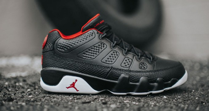 Air-Jordan-9-Low-Black-White-Chicago-681x363