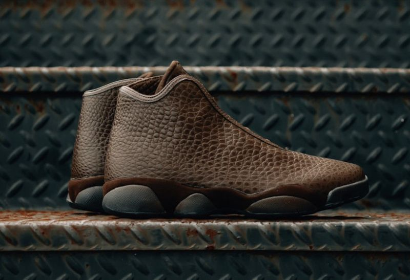 Jordan-Horizon-Premium-Brown-Croc-Available-768x526