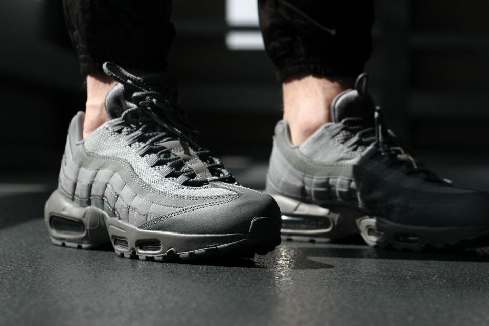 a-closer-look-at-the-nike-air-max-95-essential-cool-grey-02