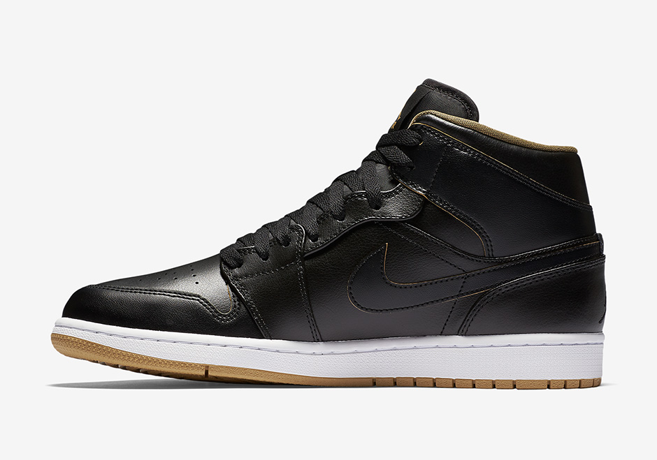 air-jordan-1-gs-black-gold-1