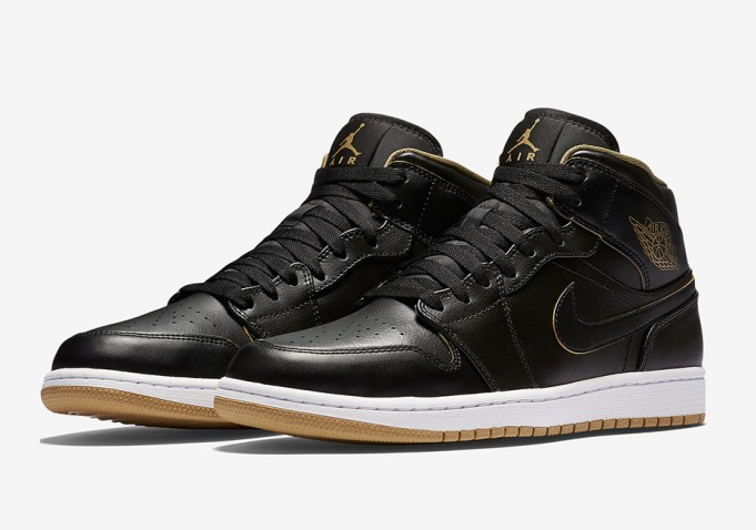 air-jordan-1-gs-black-gold-2-681x478