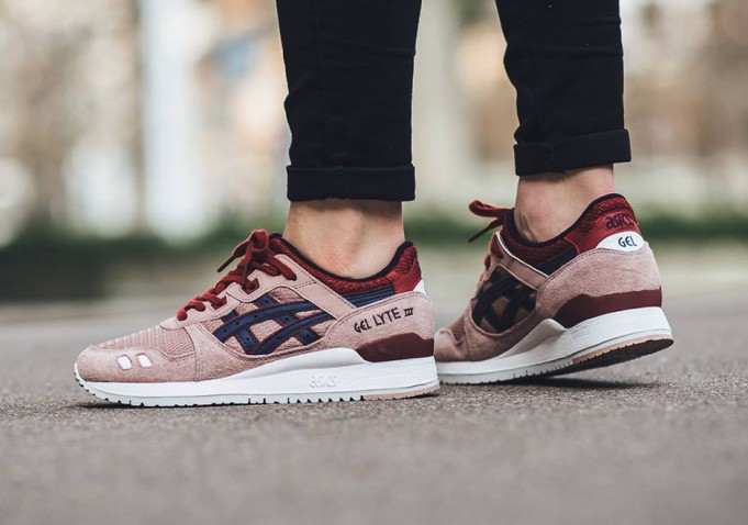 asics-gel-lyte-iii-adobe-rose-1-681x478