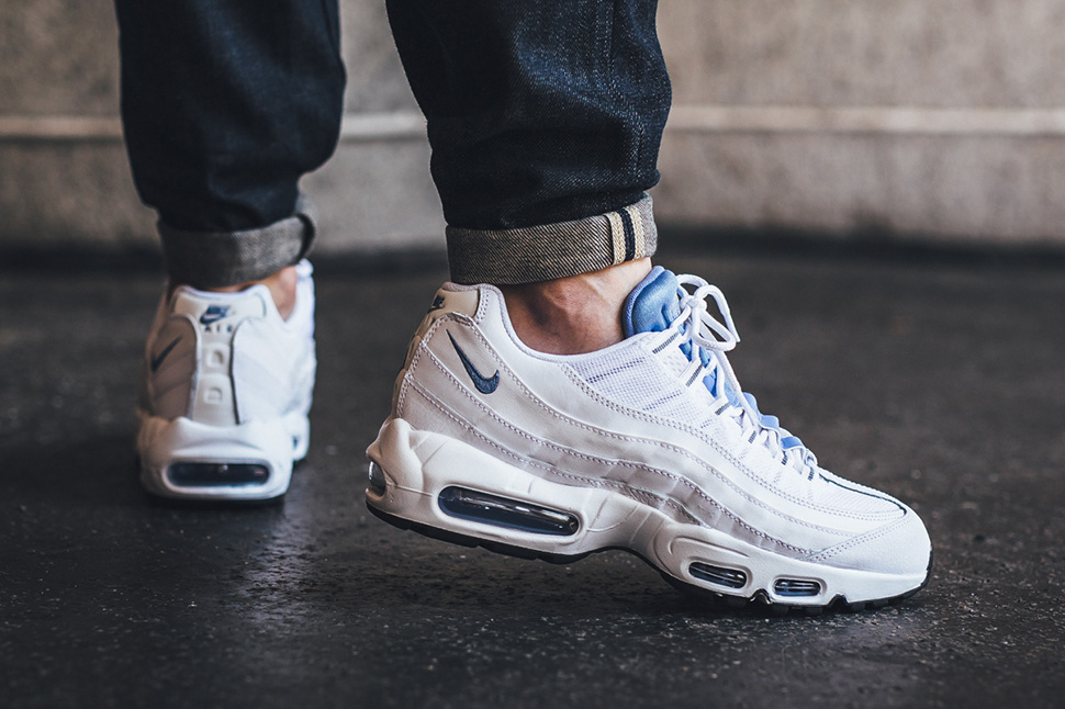 nike-air-max-95-chalk-blue_02