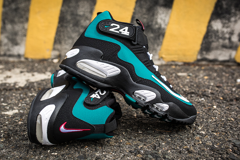 nike-air-max-griffey-fresh-water_03