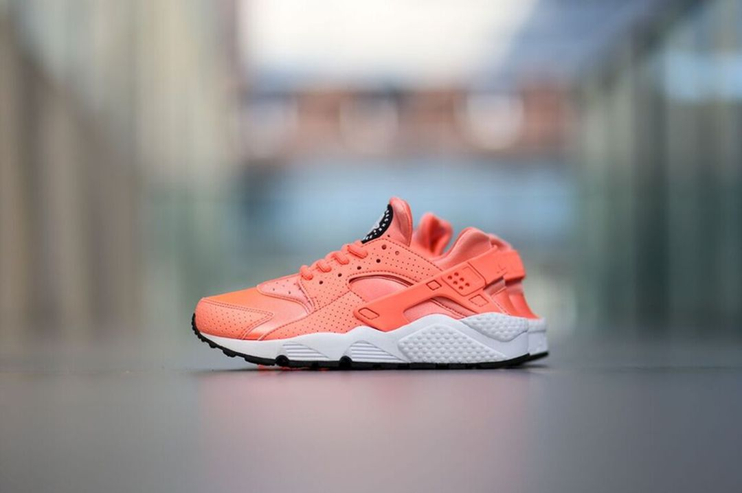 Nike Air Huarache Atomic Pink/White