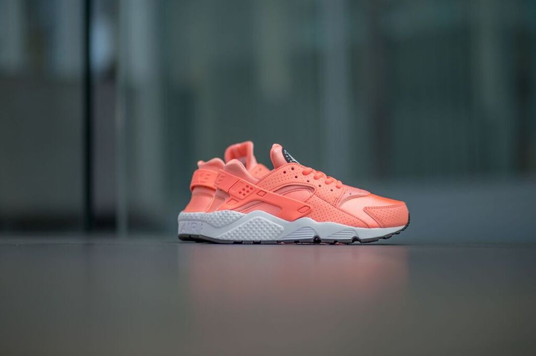 nike-huarache-run-atomic-pink_04