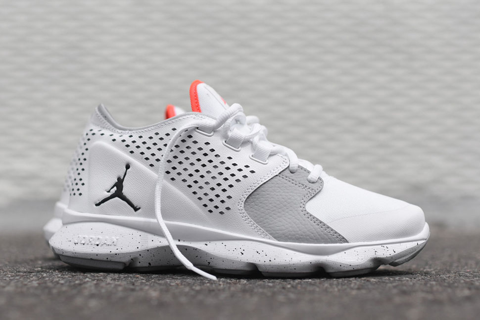 Air_Jordan_Flow_-_White_Grey_Infrared_1