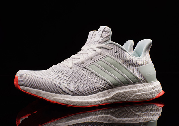 adidas-ultra-boost-st-yeezy-pure-platinum-01