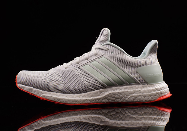 adidas-ultra-boost-st-yeezy-pure-platinum-02