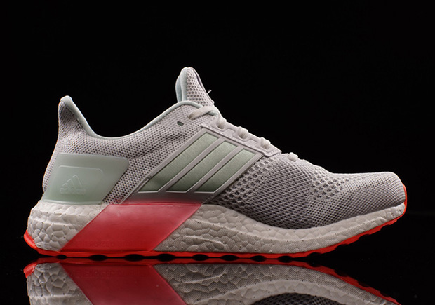 adidas-ultra-boost-st-yeezy-pure-platinum-04