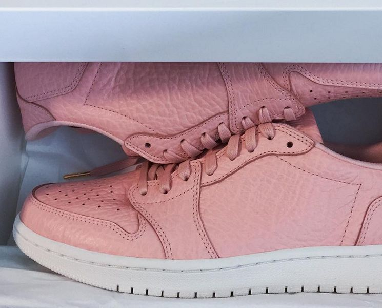 air-jordan-1-swooshless-pink_02