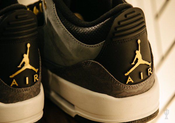 air-jordan-3-trophy-room