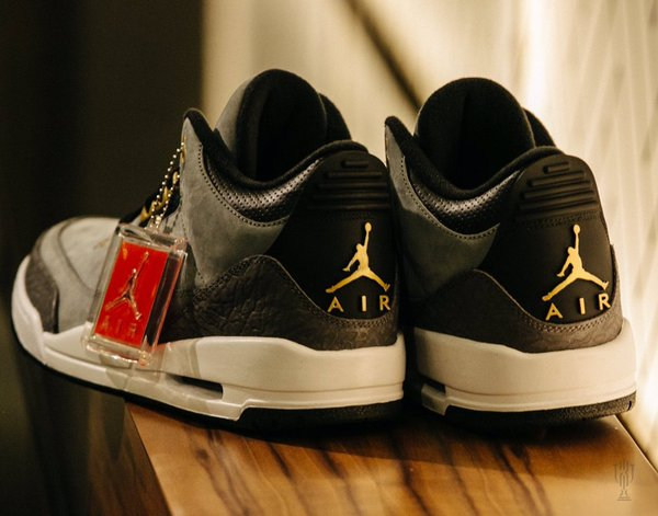 air-jordan-3-trophy-room_02