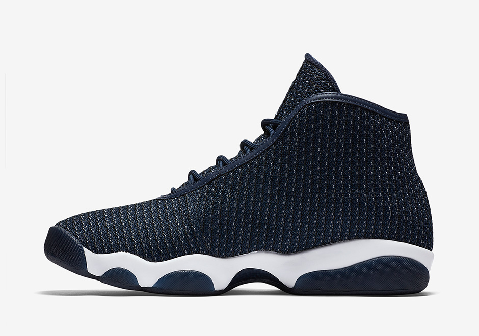 air-jordan-horizon-midnight-navy-1