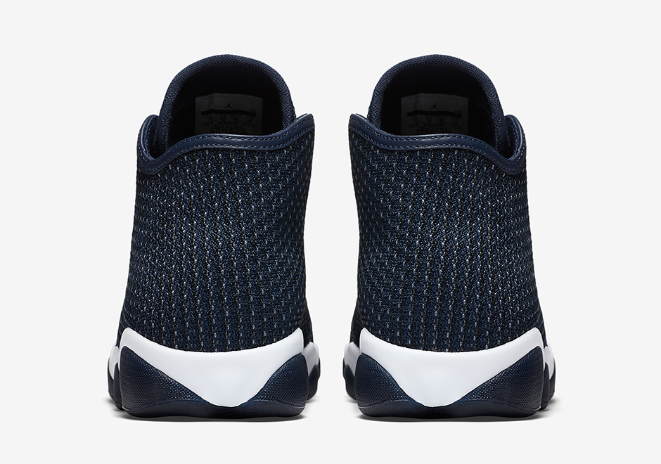 air-jordan-horizon-midnight-navy-4