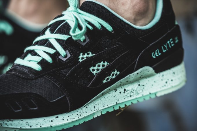 asics-gel-lyte-iii-black-mint-chocolate-chip-681x453