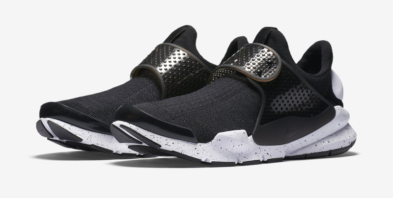 black-white-nike-sock-dart-available