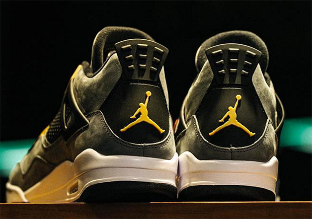 jordan-4-trophy-room-exclusive