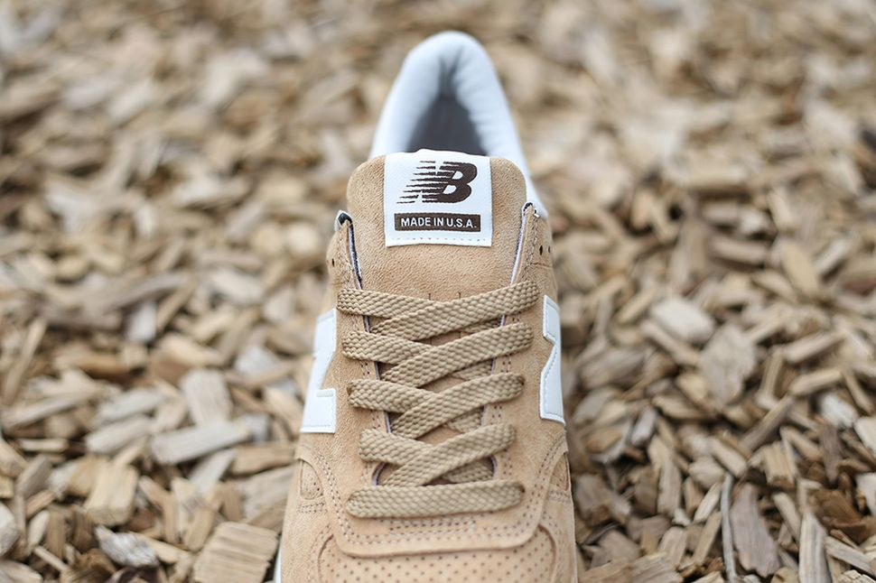 new-balance-m990-beige-green_03
