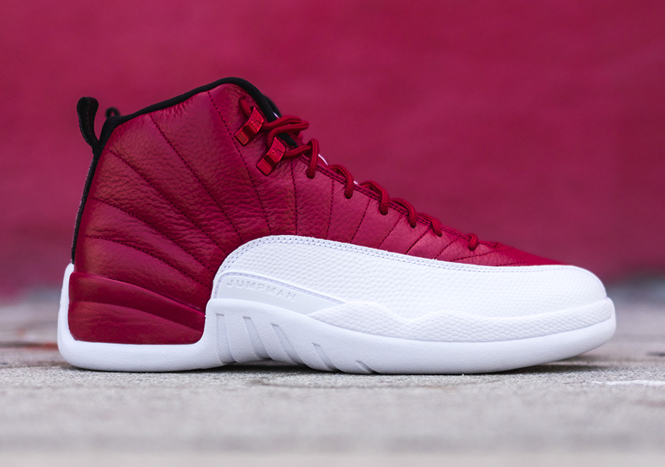 air-jordan-12-retro-gym-red-white-detailed-look-2
