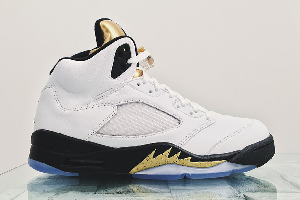 air-jordan-5-gold-tongue-detailed-1