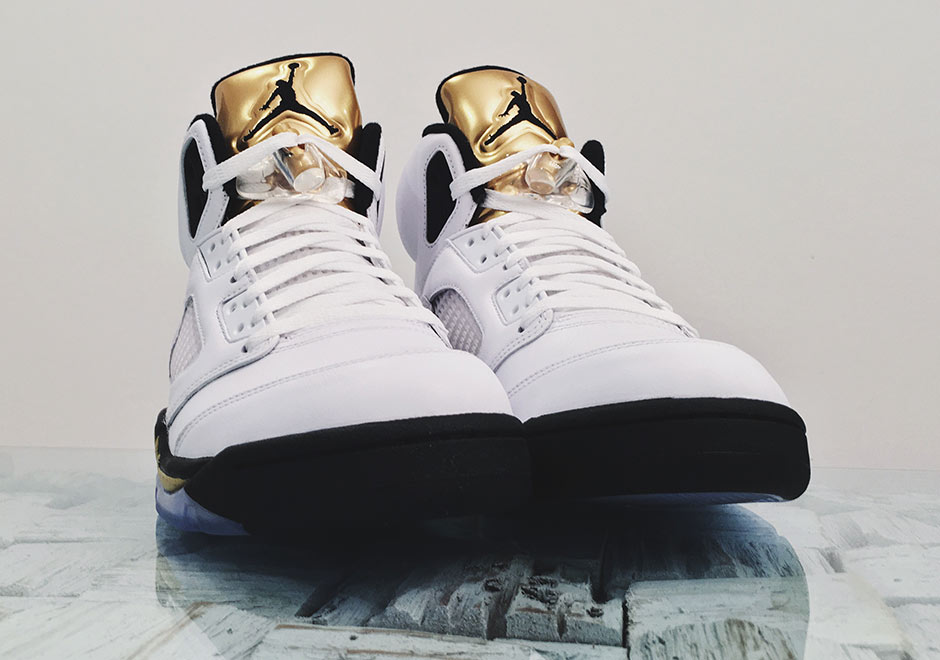 air-jordan-5-gold-tongue-detailed-2