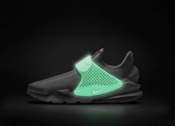 nike-sock-dart-id-glow-in-the-dark