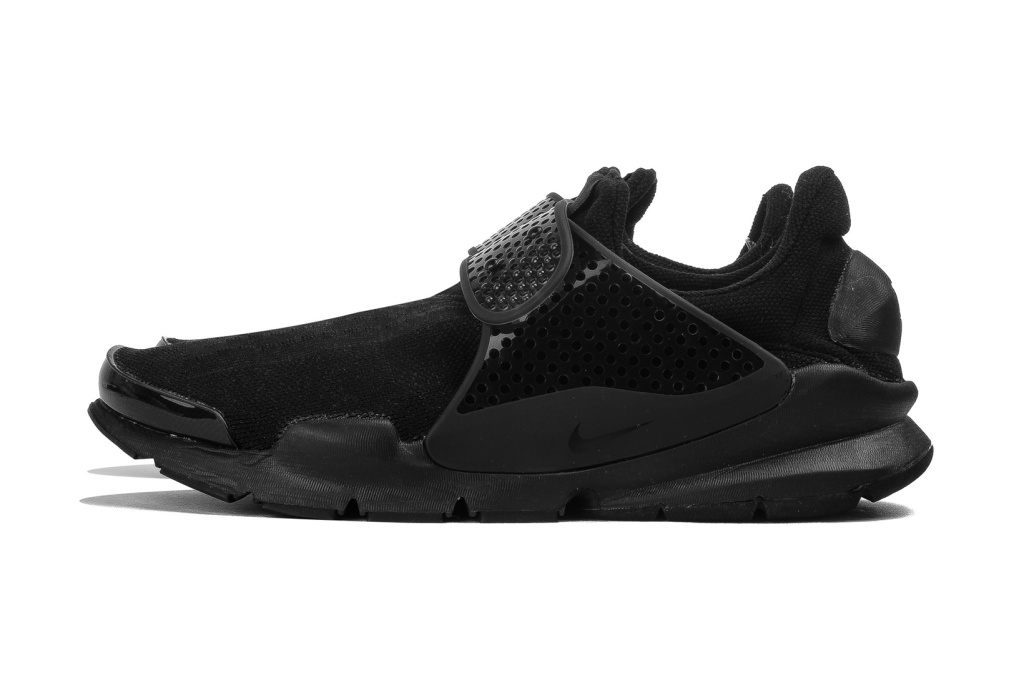 nike-sock-dart-triple-black-1