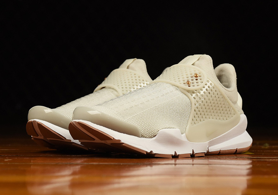 nike-wmns-sock-dart-light-bone