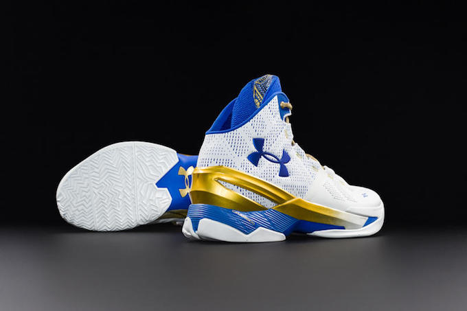under-armour-curry-2-two-gold-rings-1