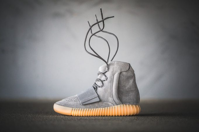 yeezy-boost-750-grey-on-feet-2-681x454