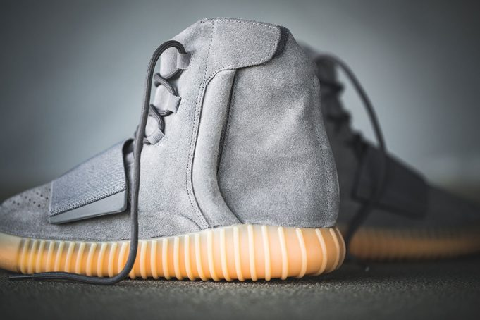 yeezy-boost-750-grey-on-feet-4-681x454