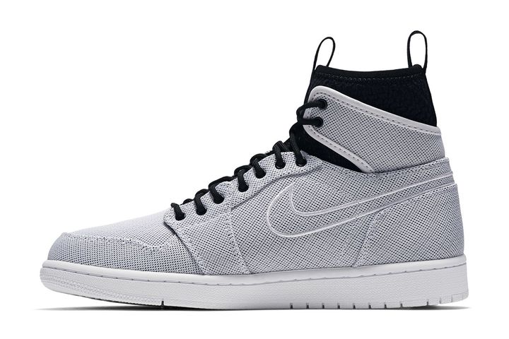 Air-Jordan-1-Retro-Ultra-High-1