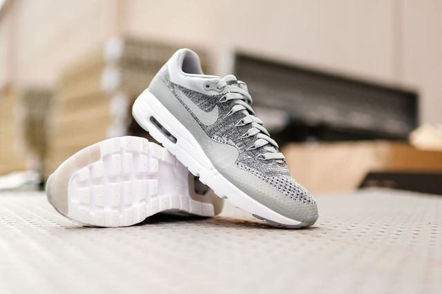 Nike-Air-Max-1-Ultra-Flyknit-Wolf-Grey-3