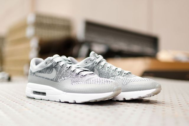 Nike-Air-Max-1-Ultra-Flyknit-Wolf-Grey-6