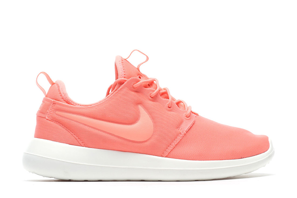 Nike-WMNS-Roshe-Two-Atomic-Pink