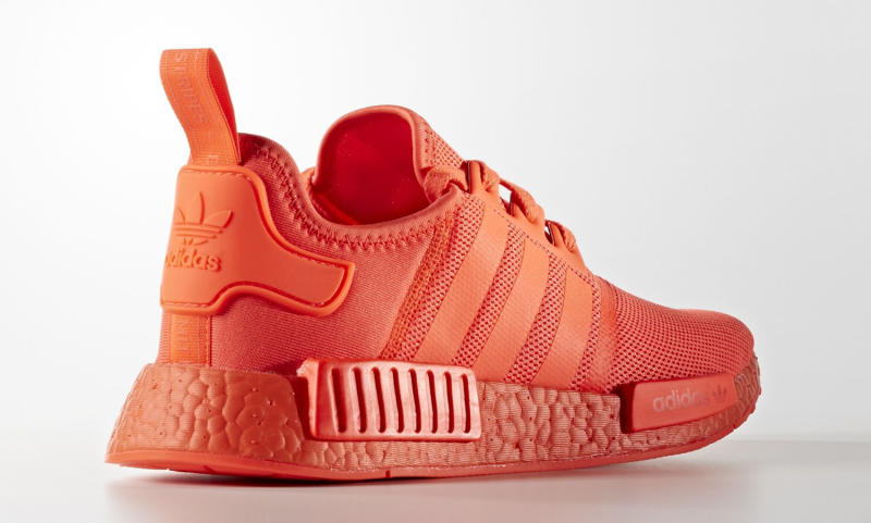 adidas-nmd-triple-red-05_ob1mb4