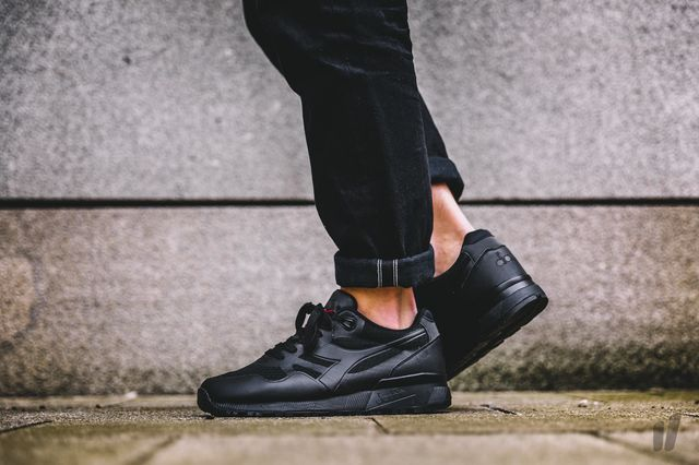 diadora-triple-black_02