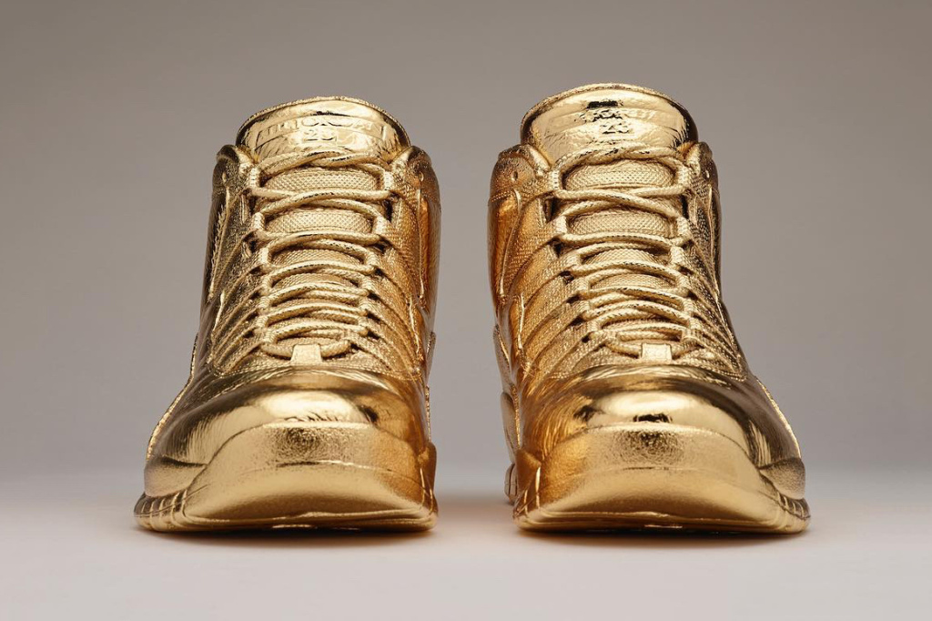 drake-gold-air-jordan-10-ovo-1