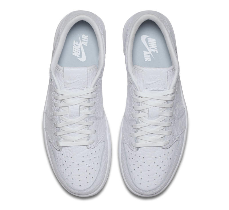 white-jordan-1-low-no-swoosh-03_oabot5