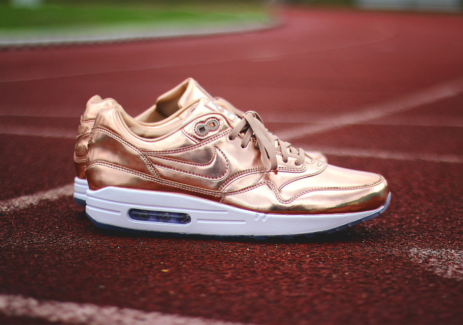 Nike-Air-Max-1-ID-Gold-Medal-Olympic-5