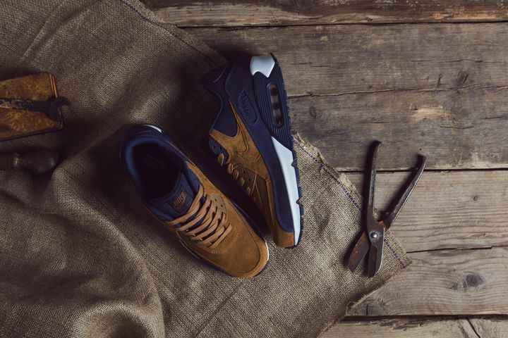 Nike_Ale_Brown_Pack_size_hq-21