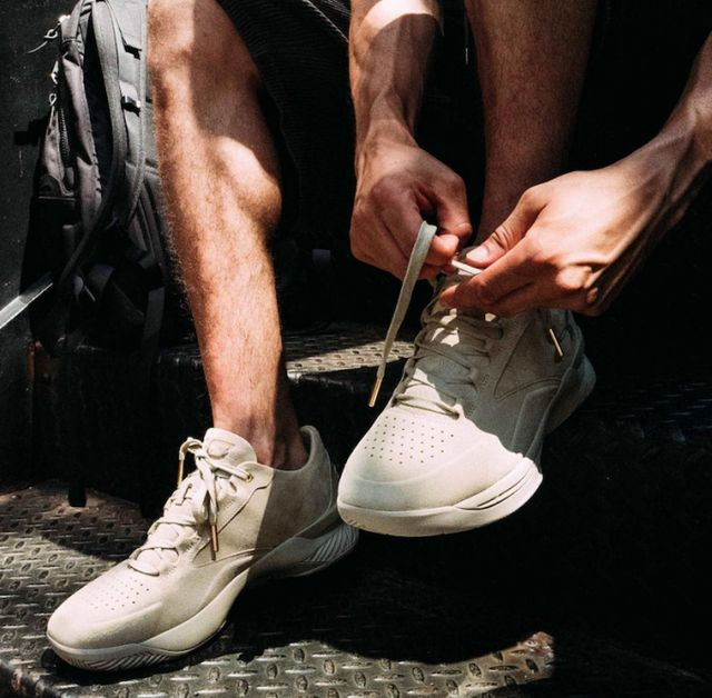Under-Armour-Curry-Lux-Low-Tan-Suede-2-681x669