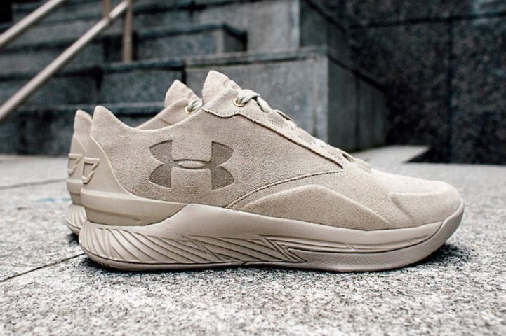 Under-Armour-Curry-Lux-Low-Tan-Suede-681x453