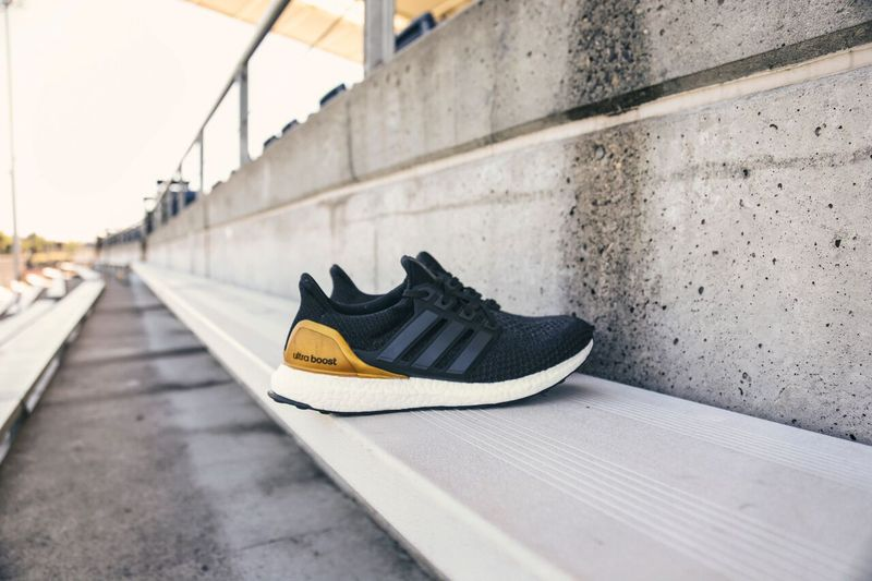 adidas-college-ultra-boosts_04