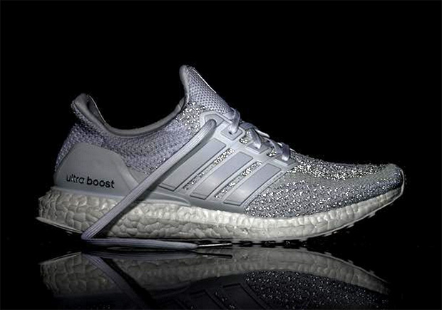 adidas-ultra-boost-reflective-grey-1