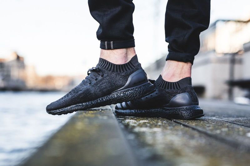 adidas-ultra-boost-uncaged-triple-black-jpg_03