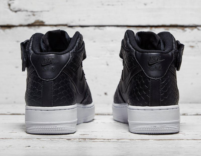 nike-air-force-1-black-scales_03